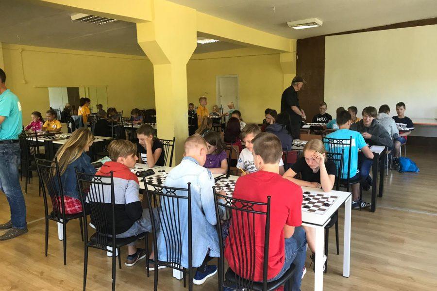 🇱🇻 Noslēdzās Latvijas jauniešu komandu čempionāts U8-16 grupā 64 lauciņu dambretē
